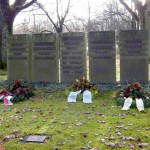 Friedhof Jammertal. 5 Gedenksteine, die von deutscher Seite aufgestellt wurden.